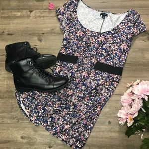 1636532d833d8f ... Skater dress with back cut out